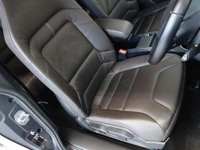 自動車保険も各社取り扱っております。BMW自動車保険も当社にお任せ下さい。正規ディーラーにしかできないお得で内容の濃い自動車保険をご案内できます。スタッフまでご気軽にご相談を下さい。