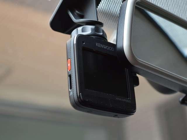 ケンウッドドライブレコーダー装備されております。