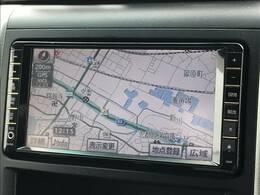 【HDDナビ】装備しております。センターパネルの中央にあり、運転しながらでも見やすくなっております。遠出のドライブなどもしっかりとサポートしてくれますよ。