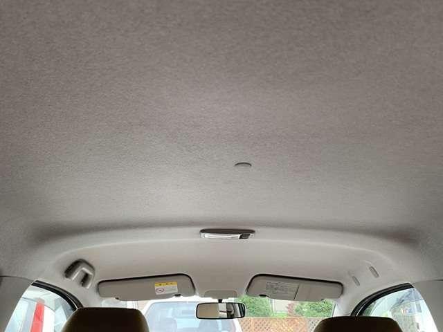 天井も目立ったシミはありません♪