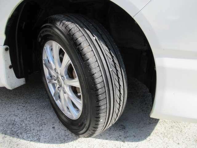社外15インチアルミホイール。タイヤは安心の世界メーカーグッドイヤー製!RV専用タイヤイーグルRV S 2020年製造!溝もタップリひび割れもございません。