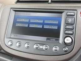 ナビゲーションはホンダ純正HDDナビを装着しております。AM、FM、CD、DVD再生、音楽録音再生がご使用いただけます。初めて訪れた場所でも道に迷わず安心ですね!