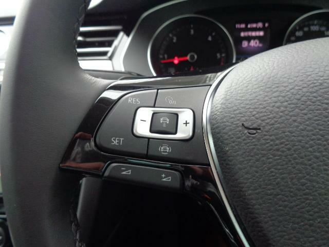 ACC(前車追従式クルーズコントロール)で高速巡行も楽にこなします