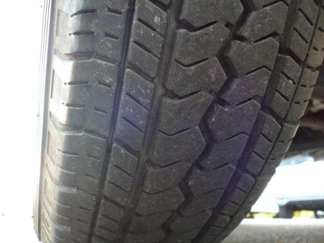 タイヤの溝も残ってます♪
