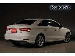 ご覧頂き有難う御座います。【平成29年 Audi A3 1.4 TFSI Sports セダン】ご紹介させて頂きます。