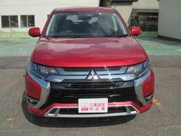 当店は三菱自動車認定の正規中古車販売店として、安心、安全な車をご用意しております。ご購入後は併設の国交省の指定整備工場でアフターサービスも安心です。