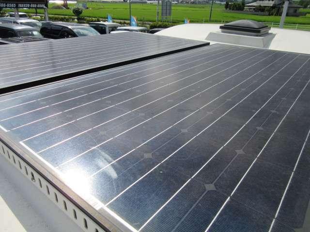 ソーラー400W 家庭用エアコン サイン波インバーター1500W 社外ナビ 地デジTV ETC バックカメラ  DVDプレイヤー サイドオーニング 電動ステップ サブバッテリー×4 充電ケーブル