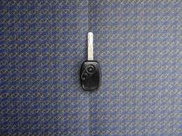ボタン一つで鍵の開け閉めができる便利なキーレススイッチです。