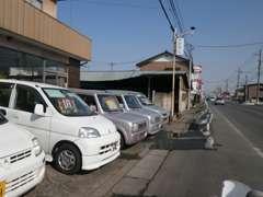 工場の方にも、展示車両がございます!