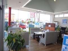 ☆アットホームな雰囲気の店内です。キッズコーナーとマンガ・雑誌コーナーでゆっくりくつろいでいただけます♪