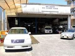 陸運局認証工場完備です。車が好きで整備工場をしています!!