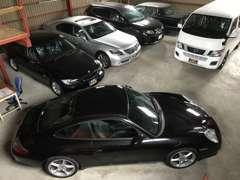 屋内にてお車を保管、天候に左右されず、お車を確認出来ます!