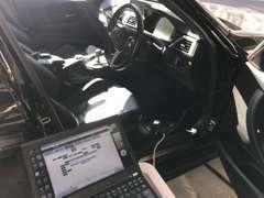 国産車をはじめメルセデス・ベンツ、BMWなど多車種に対応するテスター診断機を完備していますのでいち早く診断が可能です。