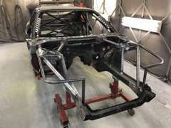当店はレーシングカー製作も行っております。制作から得る技術やノウハウを販売車や作業にフィードバックしています。