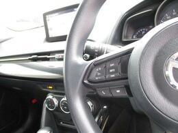 音量調整等をハンドルスイッチで行えます!運転中の操作がしやすいです!