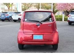 個性的なデザインが魅力のR2☆お手頃価格の4WD軽自動車です!運転席&助手席エアバッグ・ABS・CD・キーレス付のワンオーナー車♪