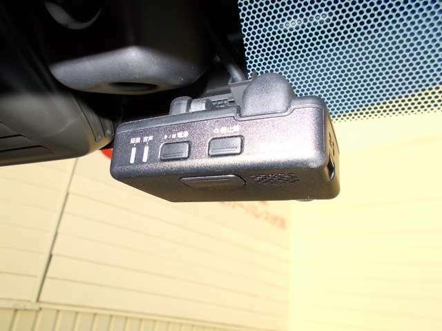 日産純正ドライブレコーダーが装備されています。万が一の時に安心です。