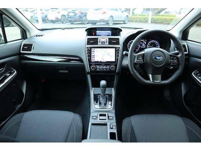 スイッチ類は運転席からの操作性が良い位置に配置