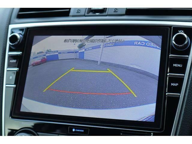 バックカメラ付きで後退時の障害物等も車内の大型モニターで確認出来ます