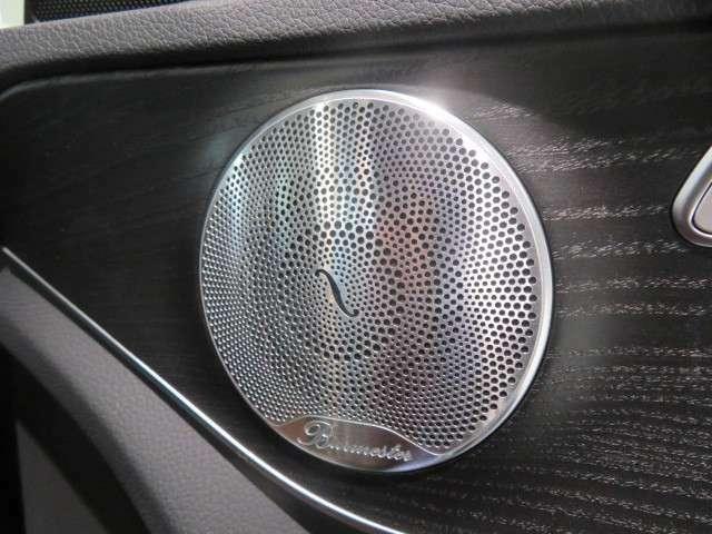シャーシは、エンジンよりも早く。」このことは、メルセデスが単なるエンジンのパワーだけを追い求めていない証拠です。シャーシの性能がお車の根幹なのです。