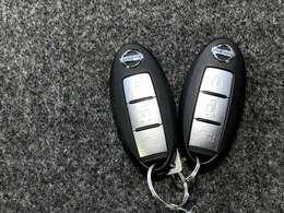 インテリジェントキーは2本同じ物が付いてきます スペアキーとして保管いただいていてもいいですし、ご夫婦でそれぞれ1本づつお持ちいただくこともできます
