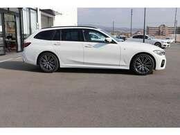 お車をご成約頂いた後も、経験豊富なメカニックがあなたのカーライフをサポートいたします!弊社ショールームは整備・鈑金・車検全て対応致します。
