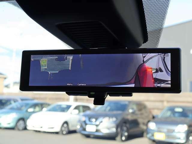【 MOP インテリジェントルームミラー 】オプション設定のインテリジェントルームミラー搭載!後席のゲストや積載物に遮られることなくクリアな後方視界が確保可能!悪天候時の後方確認も楽になります!
