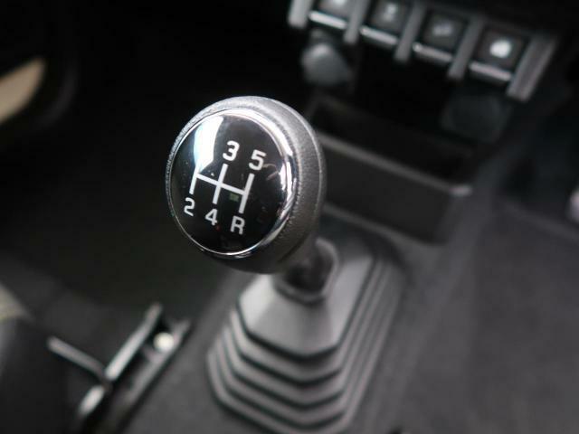 5MT車になります!!! 運転が楽しい日々をこの車は送ることができます!!
