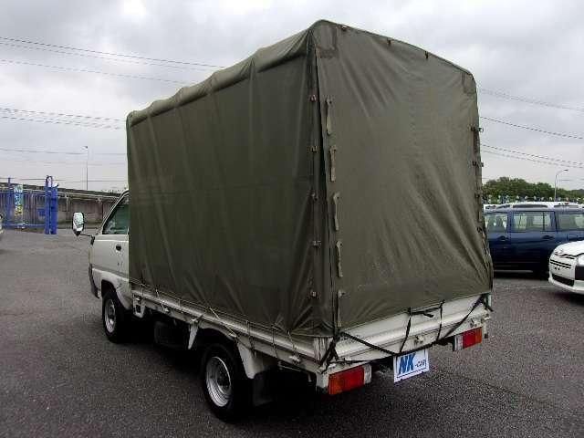 商用車専門展示場(NK2)にてバン・トラック・軽トラック多数展示中です。