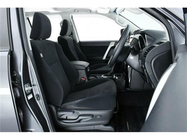 多く乗り降りする運転席のシートも大きなスレや切れもなく非常に綺麗な状態☆是非一度実車でご確認下さい♪