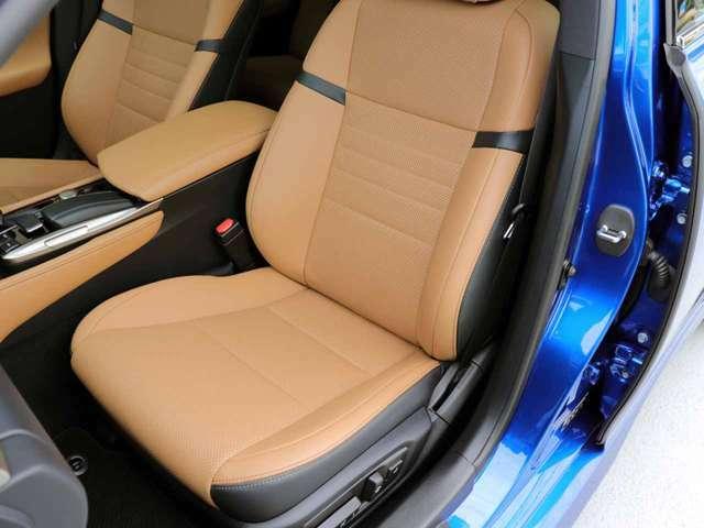 助手席の状態です。パワーシート・コンフォータブル機能(HOT&COOL)シートのスレ、シワ、ヘタリ等なく、とてもきれいな状態です。Fスポーツ専用助手席本革シート10WAY調整式パワーシート。