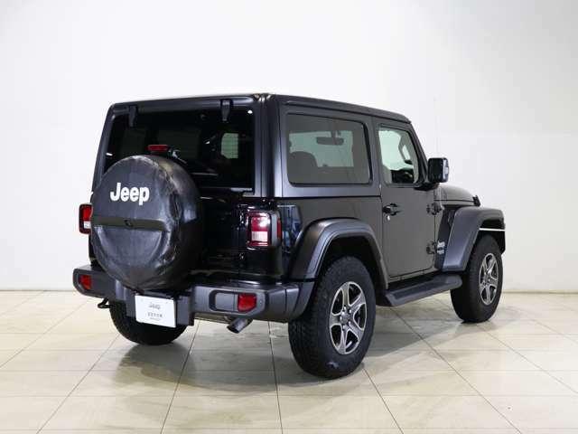 Jeepの4WDはもちろん走破性は並はずれ!悪路も何なりと突破してしまいます。