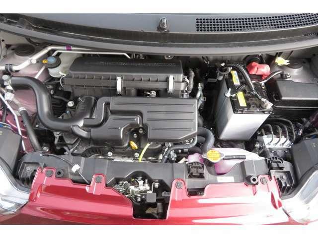 エンジンルームの写真です!!ダイハツのエコ技術「イーステクノロジー」搭載し【しっかり走れる低燃費の軽】に進化してます。