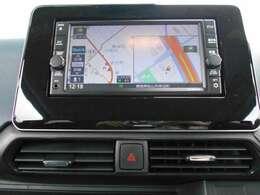 アラウンドモニター搭載で、周囲の安全確認ができますので、車庫入れも安心ですね。