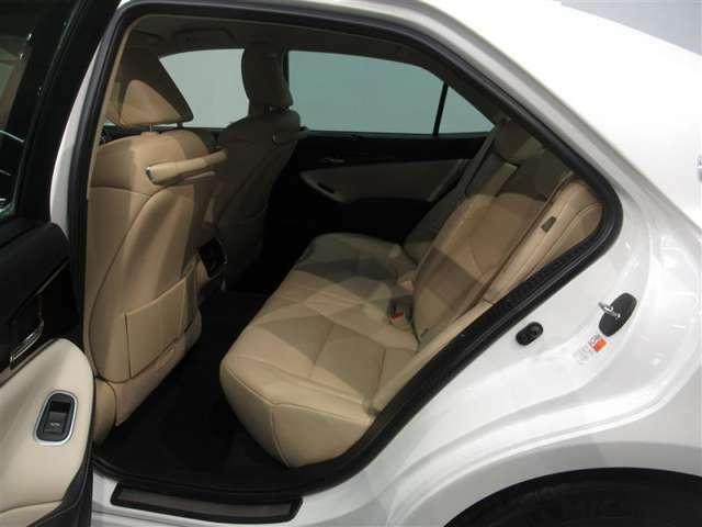 トヨタカローラ愛知は新車拠点31拠点、U-Car拠点12拠点。合計愛知県下43拠点で皆様のカーライフをサポート致します。