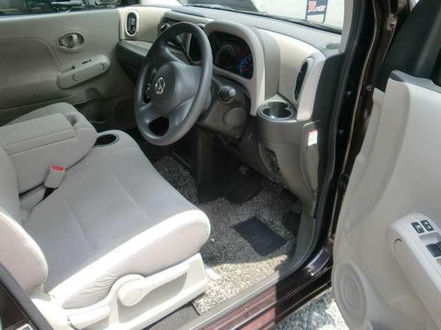 目立った汚れもなく非常に綺麗なシート。内装の状態の良さに自信あります!