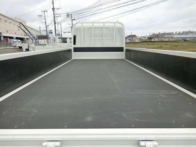 ■当店は、九州自動車道「福岡インター」より福岡方面、信号2つ目の広田交差点を左折1.3kmのところにあります!
