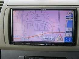 フルセグSDメモリーナビ装備。ドライブ・旅行の前日に地図を調べる必要はもうありません。朝、車に乗ってから行先を入力すれば目的地まで音声で案内してくれます