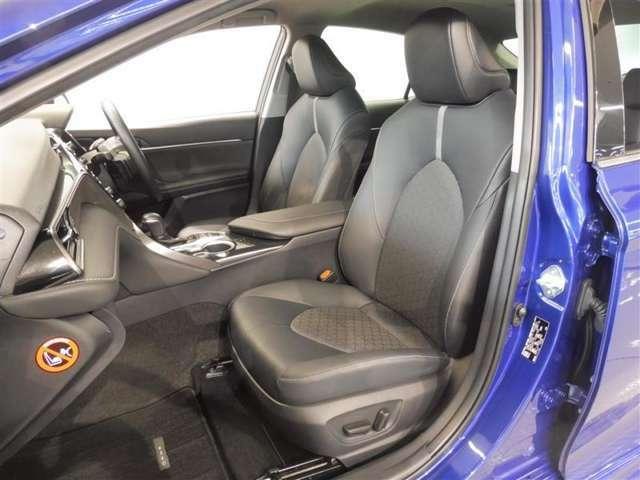 運転席&助手席は電動シートです。無段階に調整できますので、お好みのシートポジションに設定できます。