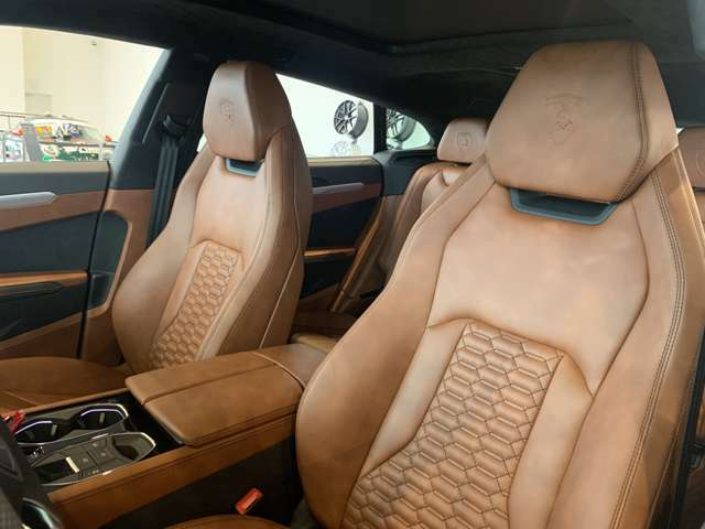 Elegante Leather