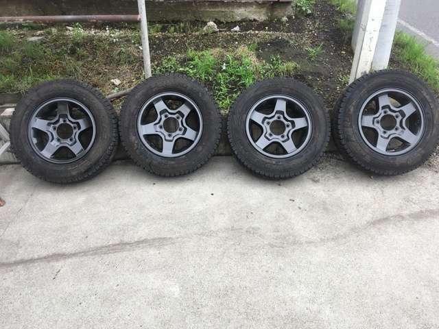 純正ホイール再塗装済み スタッドレスタイヤもおつけします タイヤ溝も十分あります