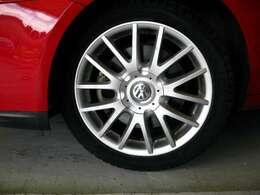 タイヤなども記録ではすべてディーラーで整備を依頼されていたようで、きちんとしたパーツを使用してあります♪