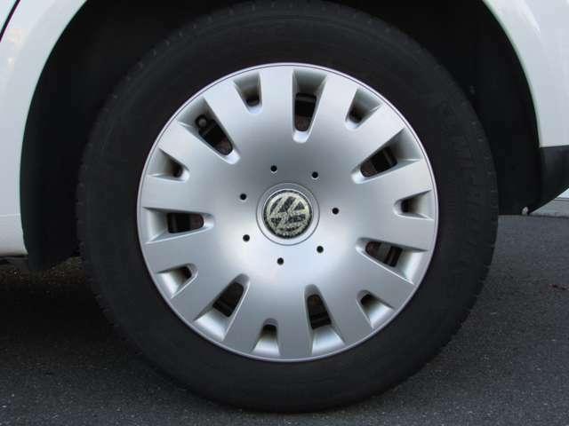 タイヤやバッテリーなどの消耗品の取り扱いもございます。納車時にすべて交換してのお渡しも可能ですので、ぜひご相談ください。