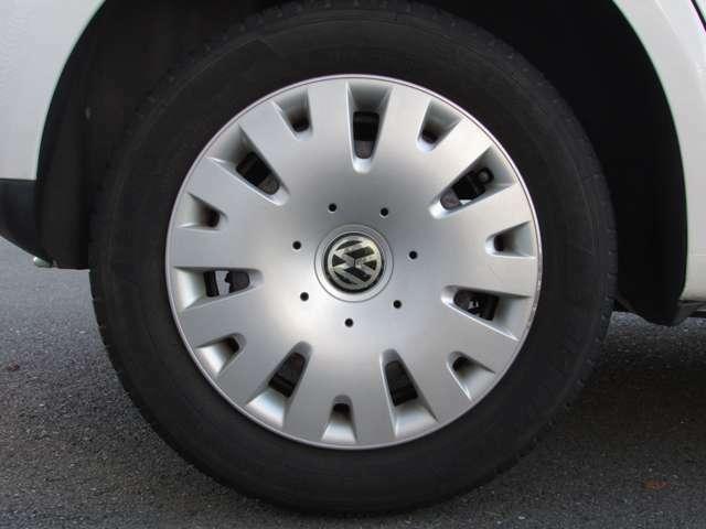 車種ごとの特徴を熟知したスタッフが、お車に適した納車前点検整備を行い、より良い状態でご納車させて頂きます。納車後のオイル交換、整備、車検などアフターメンテナンスに関することもお任せください。