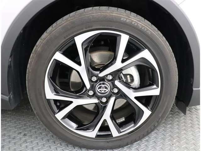 タイヤサイズ225-50-18純正アルミホイール