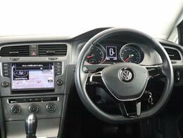 Volkswagenはシンプルで飽きのないデザインが特徴です。