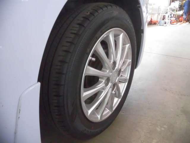 夏タイヤのみ付属となりますので冬休み用タイヤホイールセットは別途ご用意が必要となります!!