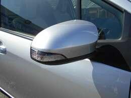 ☆ターンランプ付きドアミラー・ファショナブルだけではなく、目の高さに近い所にウインカーがあるので対向車から良くわかるので安全です☆