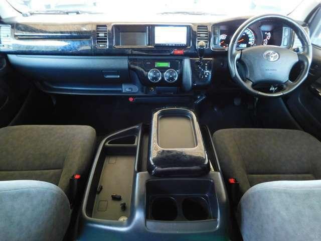 黒ウッドパネル・ウッドコンビステア オートマ フル装備 ABS Wエアバッグ キーレス 集中ロック