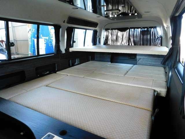 段違いの2段ベッドとなり床面積を無駄なくベッドに使えます。